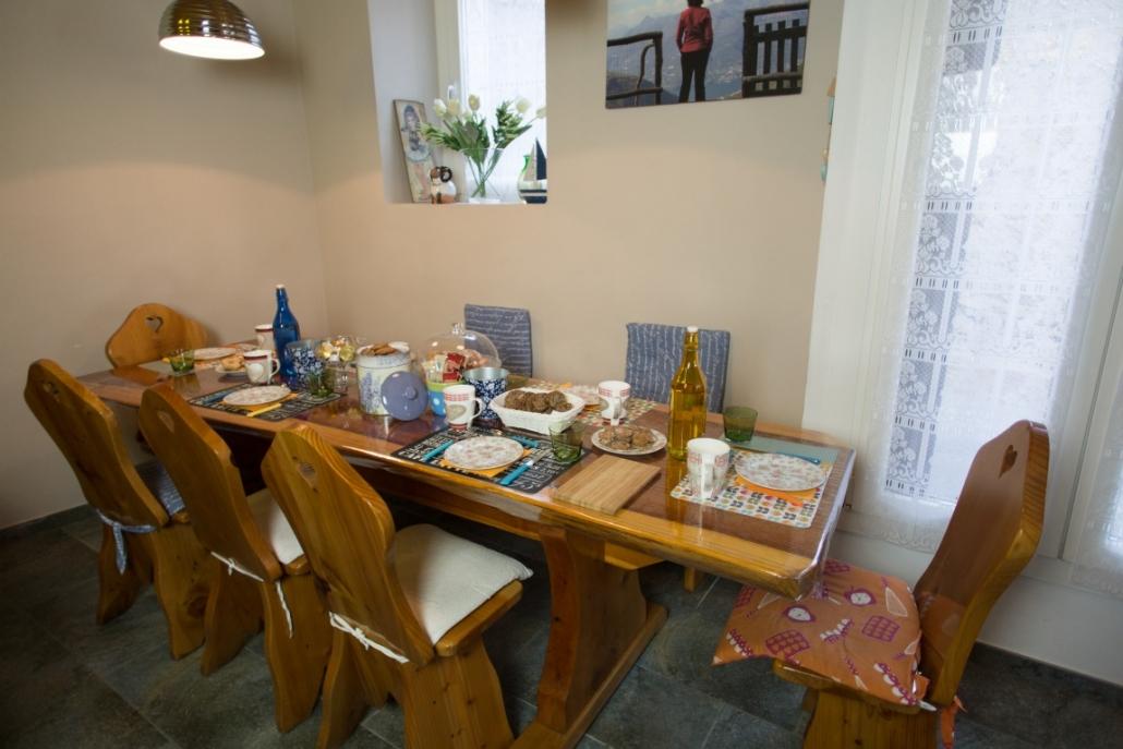 B&B-La casa sul sasso-tavolo cucina
